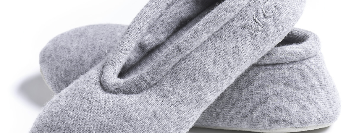 Pure cashmere ballet slippers
