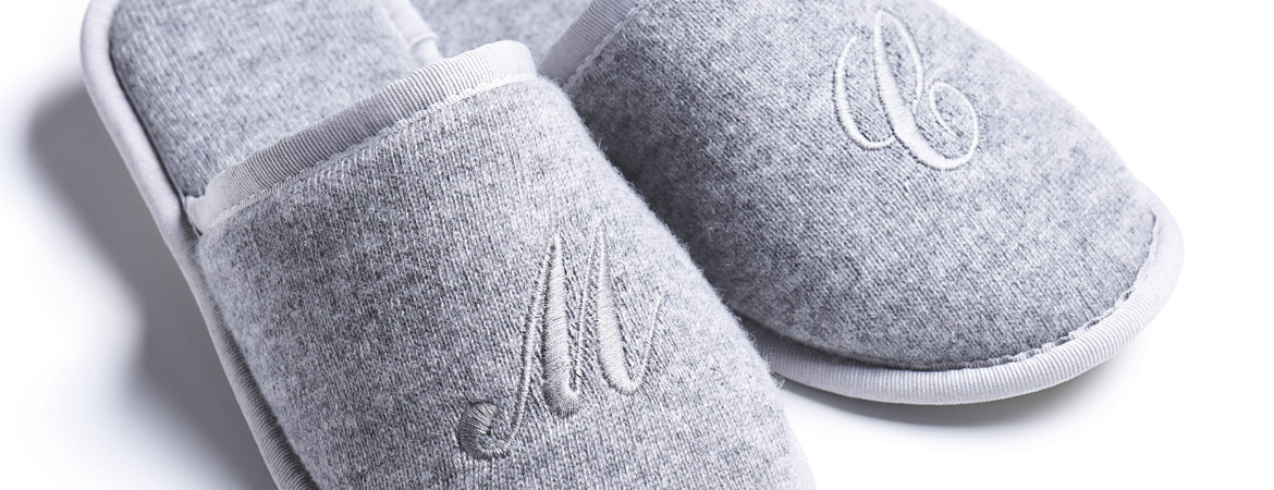 "Unisex Cashmere Guest Slippers""  />