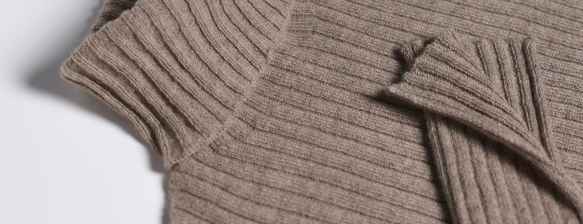 turtle neck cashmere rib sweater