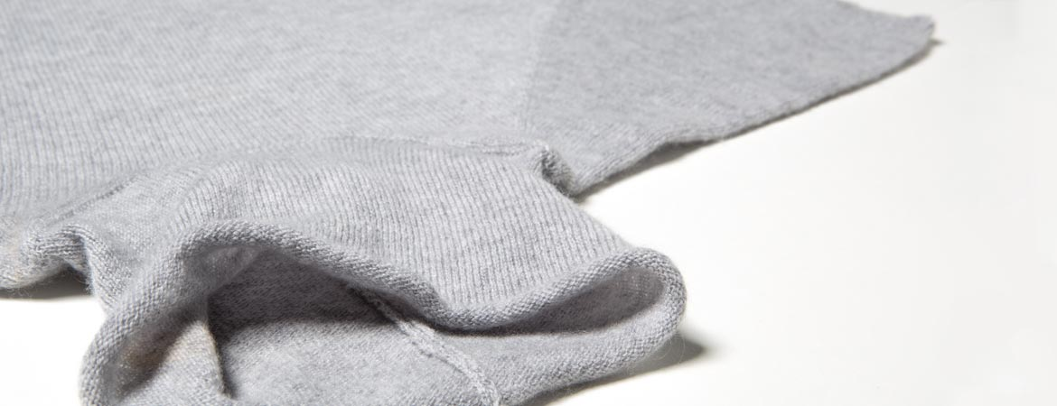 ULTRA-LIGHT Cashmere Short Sleeve Polo Neck